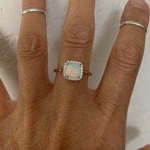 Jewelry - 💍 NEW💍Sterling silver Square White Lab Opal Ring